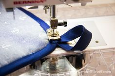 Square hot pad with hand pocket tutorial (18)