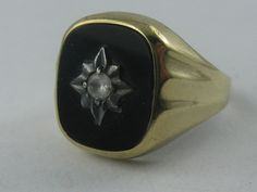 Classically elegant gold ring / mens ring in by ideenreichBerlin