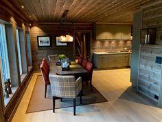 Visningshytte Eikås - Vyrk Farm Shed, Chalet Interior, Divider, Man Stuff, Table, Room, Interiors, Furniture, Live