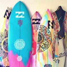 Mais de 50 desenhos em pranchas de surf
