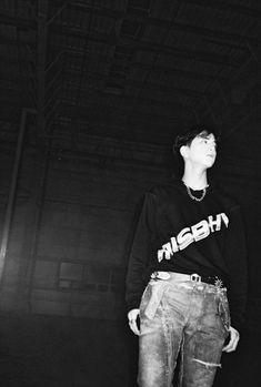 The boyz Younghoon Hyun Jae, Black Men, Black And White, Bermuda Triangle, Body Poses, Boyfriend Material, Pop Group, Kpop Boy, South Korean Boy Band