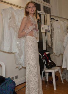 photographer tryna get a snap of frida's chest. Prom Dresses, Formal Dresses, Wedding Dresses, Frida Gustavsson, Models Backstage, Model Street Style, Student Fashion, Models Off Duty, Supermodels