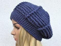 Crochet Cap, Crochet Beanie, Knitted Hats, Scarf Hat, Crochet Videos, Homemade Christmas, Beret, Knit Patterns, Mittens