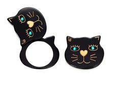 I have this kitty compact in leopard for many many years. It's is kitchy and cute!
