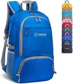 Klein verstaubar und super leicht, geräumig beim Transport  ★0,33 kg Ultraleicht – Das ist zusammenklappbar in eine keine Tasche. (IPadmini-Größe) für eigentliche Platzersparnis. Was bedeutet, dass Sie Ihren Rucksack in Ihre Tasche leicht verstauen und ihn bei Ankunft aufklappen können. Um Übergewicht zu vermeiden, holen Sie unseren Klapprucksack einfach bei Gepäckabfertigung und verwenden Sie es als Handgepäck für Übergepäck. Ein unentbehrlicher Rucksack für Reisen. ★30L Kapazität – Dieser… Small Backpack, Hiking Backpack, Travel Backpack, Converse Chuck Taylor Black, Army Camo, Travel Items, Unisex, Camping Gear, Pouch