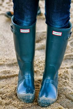 : Weekend Beach Style: Rain Boots for Fall