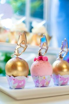 gold-pink-butterflies-flowers-celebration-cakepop