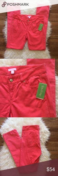 """NWT Lilly Pulitzer Aida Coral Corduroy Pants New with tags Lilly Pulitzer Aida Corduroy Pant in Island Coral. Size 6. 100% cotton. Waistband 32"""", rise 8"""", inseam 33"""". Leg opening is 12"""", Skinny legs. No trades, offers welcome. Lilly Pulitzer Pants Skinny"""