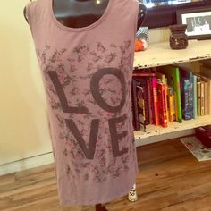 Hi low muscle tank Loose fun tank in a grayish mauve color with love and flowers in front size medium 95% rayon 5% spandex H.I.P Tops Muscle Tees