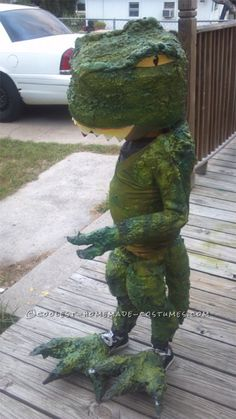 My son Joey is Five years old and he LOVES dinosaurs. He wanted to be a T rex this halloween because that is his favorite dinosaur of them all. Dinosaur Halloween Costume, Halloween Diy, Halloween Costumes, Green Spray Paint, Homemade Costumes, Old Clothes, Lots Of Money, Foam Crafts, Baby Costumes
