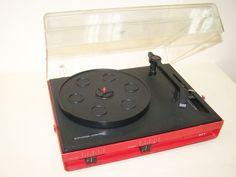 Alter DDR Plattenspieler ZIPHONA COMBO 323, Kult Retro Design rot