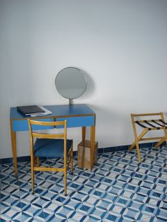 Gio Ponti Parco di Principi / Sorrento, Italy - Blue vanity table with mirror. all furniture and tile by Gio Ponti. Gio Ponti, Architecture Renovation, Interior And Exterior, Interior Design, Mid-century Modern, Contemporary, Modern Moroccan, Tile Patterns, Decoration