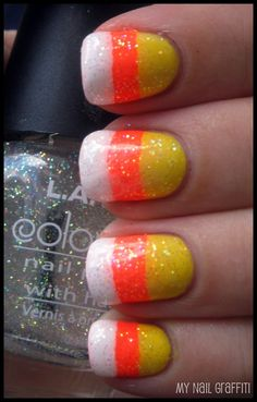 Easy candy corn design for halloween! now I want candy corn Fancy Nails, Love Nails, How To Do Nails, Pretty Nails, My Nails, Pink Nails, Cool Easy Nails, Easy Nail Art, Simple Nails