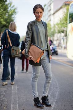 STREET STYLE SPRING 2013: MILAN FW - The portfolio is having a major moment.