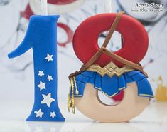 Wonder Woman Candle Holder, Wonder Woman Cake Topper, Girl's Superhero Party Supplies and Decorations Cake Decorating With Fondant, Fondant Decorations, Fondant Toppers, Fondant Cupcakes, Birthday Cake With Candles, Birthday Cupcakes, Fondant Letters, Wonder Woman Cake, Birthday Presents For Girlfriend