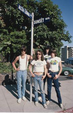 The Ramones http://www.vogue.fr/photo/le-portfolio-de/diaporama/le-portfolio-de-brad-elterman/15071/image/817500#!11