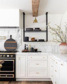 boho kitchen Steel & Glass Open Shelving (ceiling mounted) Sauna Room Packages Make Con Kitchen And Bath, New Kitchen, Kitchen Decor, Boho Kitchen, Awesome Kitchen, Kitchen Sinks, Kitchen Styling, Kitchen Ideas, Interior Design Kitchen