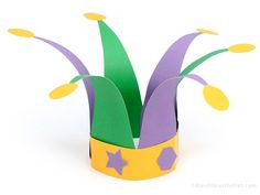 DIY Paper Jester Cap - Your kids will love getting their sillies out and goofing around in the jester role!