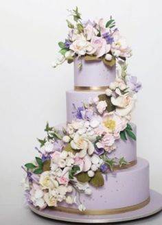 The Chic Technique: Featured Lavender Wedding Cake: Ron Ben-Israel Cakes; Purple Cakes, Purple Wedding Cakes, Amazing Wedding Cakes, Elegant Wedding Cakes, Wedding Cakes With Flowers, Wedding Cake Designs, Cascading Flowers, Flower Cakes, Gorgeous Cakes