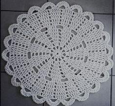 souplast em crochê produzo em barbante e em diversas cores, tamanho: 32 cm