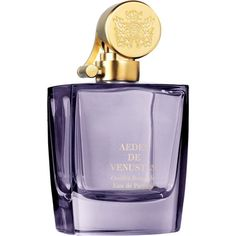 This Aedes de Venustas Oeillet Bengale Eau de Parfum was inspired by a rare China rose and offers a firey and fierce fragrance. Iris, Make Up Marken, Tolu, Beautiful Perfume, Yves Rocher, Peeling, Parfum Spray, Body Spray, Smell Good