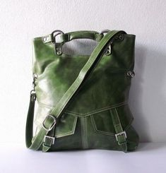 Such a beautiful stand-out bag.