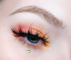 Amazing 40 Fancy Makeup Tips Ideas To Look Cute Any Event Getting some general make up tips for different occasions is a great idea since you don't want to wear the … Fancy Makeup, Colorful Eye Makeup, Blue Eye Makeup, Cute Makeup, Pretty Makeup, Skin Makeup, Eyeshadow Makeup, Pastel Makeup, Yellow Eyeshadow