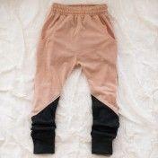 two tone leggings: great idea for kids pajamas