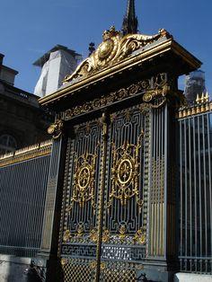 les coulisses du palais de justice: audiences en correctionnelles. http://visite-guidee-paris.fr