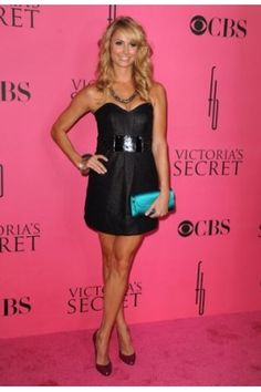 Stacy Keibler attends the 2008 Victoria`s Secret Fashion Show at the Fontainebleau on November 2008 in Miami Beach, Florida. Stacy Keibler, Victoria Secret Show, Diane Kruger, Lovely Dresses, Beautiful Legs, Beautiful Celebrities, Celebrity Pictures, Strapless Dress Formal, Fashion Show