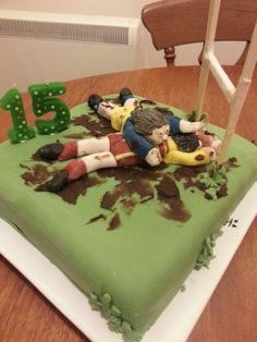 Rugby fans cake