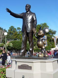 ¿Conociste los hermoso parques de diversiones de Disneyland? ¿Qué preferís, los parques de Universal o Disney? Conocé todas las atracciones en Disney aquí: http://www.bestday.com.ar/Tours/walt-disney/