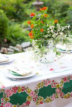 6 Simple Steps to Dining Al Fresco in Your Own Backyard! #RainforestGreen