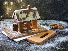 Bastel dein Schokohaus aus Schokotafeln Xmas, Christmas, Birthday Candles, Waffles, Breakfast, Cake, Desserts, Food, Advent