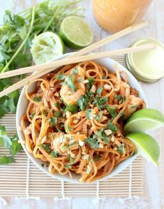 Homemade Thai peanut sauce is tossed with chicken and rice noodles in this quick and easy chicken stir fry recipe, made in under 30 minutes! Thai Chicken Stir Fry, Peanut Chicken Stir Fry, Peanut Sauce Stir Fry, Thai Peanut Sauce, Asian Recipes, New Recipes, Healthy Recipes, Thai Recipes, Favorite Recipes