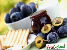 Marmellata di Prugne, Ricetta con Ingredienti, Preparazione passo passo e Consigli Utili per ottenere una deliziosa confettura di prugne.