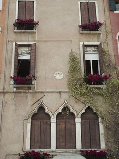 Italian Architecture - 2 tone effect with parged walls and contrast window sills and casings