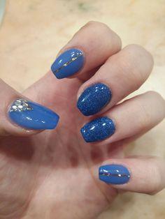 Royal blue nails 😍