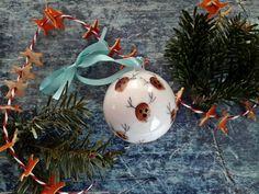Rénszarvasos karácsonyi gömbdísz - Mom With Five Christmas Bulbs, Mom, Holiday Decor, Home Decor, Decoration Home, Christmas Light Bulbs, Room Decor, Home Interior Design, Mothers