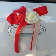 déco-mariage-blanc-et-rouge-fleurs-roses-perles-tissu-voiture Cocktails, Wedding Ideas, Pink Flowers, Paper Flowers, Craft Cocktails, Cocktail, Drinks