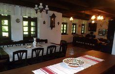Vrei o casă tradițională ca a lui Doru Munteanu? Uite că-ți dă lista lui cu meșteri   Adela Pârvu - Interior design blogger Traditional House, Sweet Home, Exterior, House Design, Cottages, Decorating, Home Decor, Houses, Pictures
