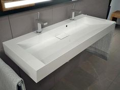 double sink - New home - Badezimmer