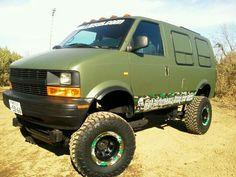 ASTRO Lift Up Lifted Van, Lifted Trucks, Big Trucks, Chevy Astro Van, Chevy Van, Gmc 4x4, Jeep 4x4, Off Road Camping, Van Camping