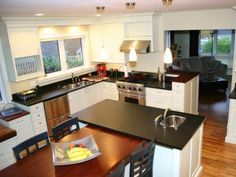 Country Woodworkers - Kitchen Gallery of Whitson Residence