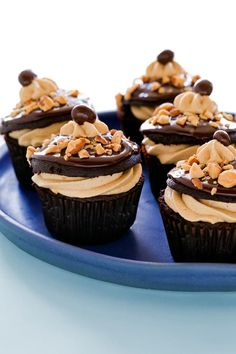 Coffee Almond Crunch Cupcakes