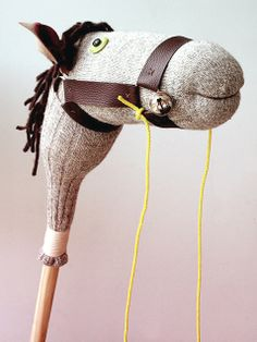 Hobby horse horse crafts diy crafts do it yourself diy gifts diy pictures kids diy crafts Diy Gifts To Make, Easy Homemade Gifts, How To Make, Diy For Kids, Gifts For Kids, Stick Horses, Hobby Horse, Hobby Room, Hobby Lobby