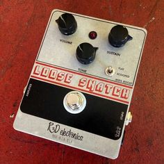 Variations of a name: the @R3Delectronics Loose Snatch #EHX #BigMuff #Fuzz