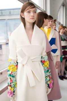 Delpozo at New York Fashion Week Fall 2016 - Backstage Runway Photos Mod Fashion, Floral Fashion, Couture Fashion, Fashion Art, Runway Fashion, Fashion Show, Fashion Dresses, Womens Fashion, Fashion Design