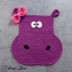 Adorable Hippo Rug pattern from One and Two Company | http://www.craftsy.com/pattern/crocheting/home-decor/hippo-rug/78982