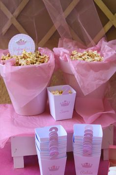 Popcorn: Cumpleaños con temática de princesa en rosa para niña - Pink princess themed girl party Ballerina Birthday, Princess Birthday, Baby Birthday, Princess Party, 1st Birthday Parties, Jasmin Party, Aniversario Peppa Pig, Barbie Party, Gold Baby Showers